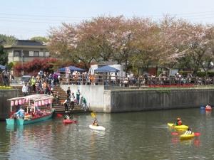 カヌー体験と屋形船